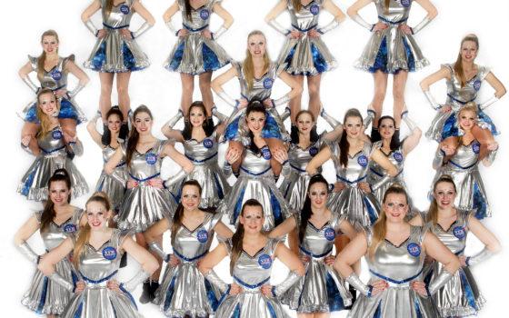 Showgirls des VFR Blau-Gold Kevelaer heben ab